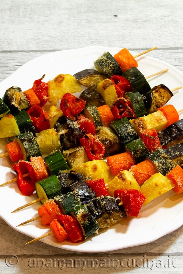 Spiedini di verdure di stagione al forno una mamma in cucina for Ricette di verdure