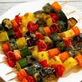 Spiedini di verdure di stagione al forno - Ricetta di unamammaincucina.it