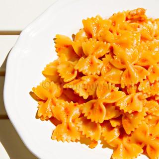 Ricetta Pasta con crema di peperoni | Ricetta di Una Mamma In Cucina
