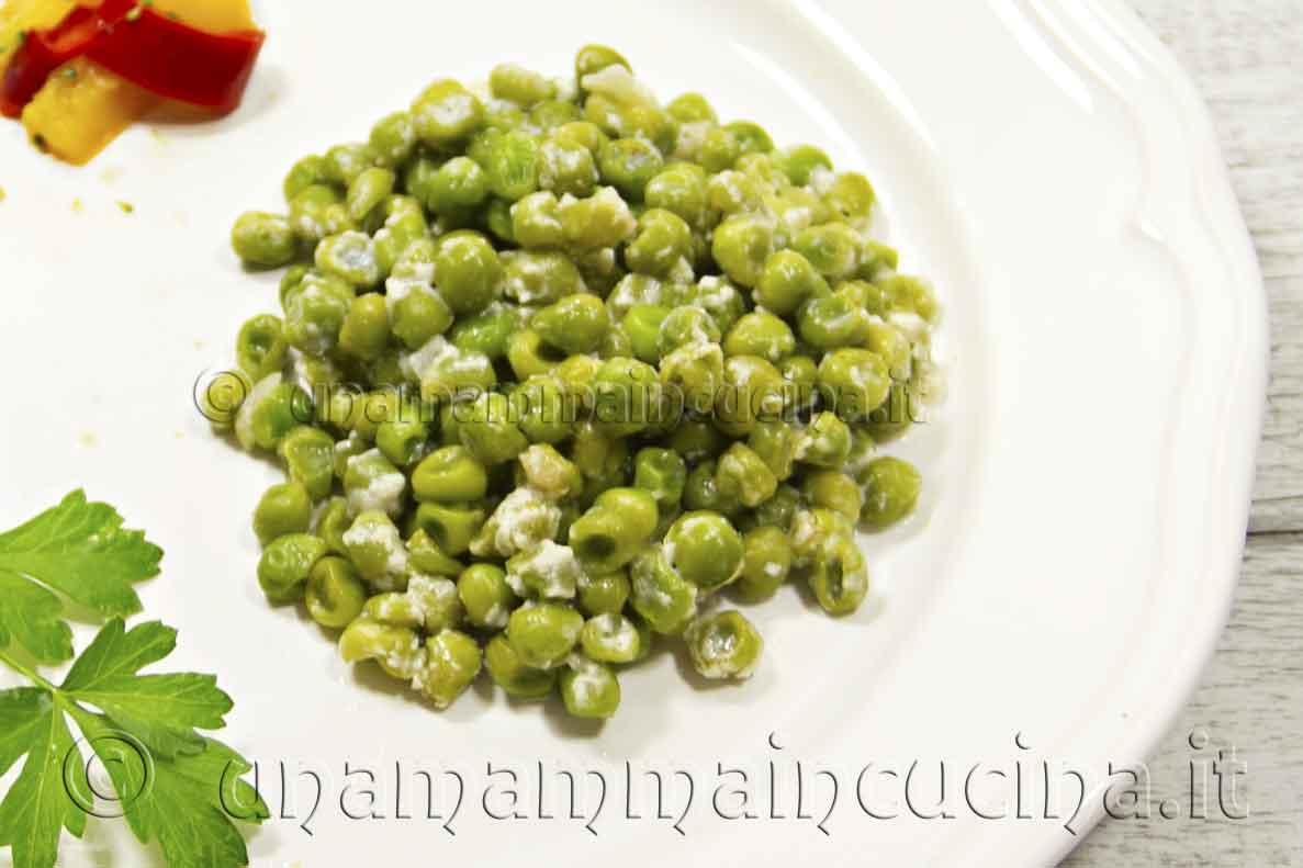 Pisellini al latte e parmigiano - Ricetta di unamammaincucina.it