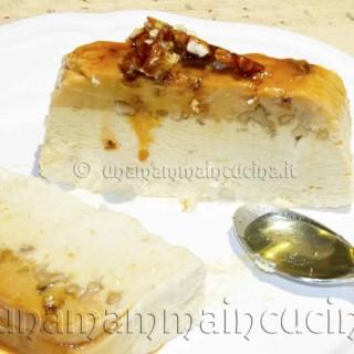 Semifreddo alle noci caramellate | Ricetta di Una Mamma In Cucina