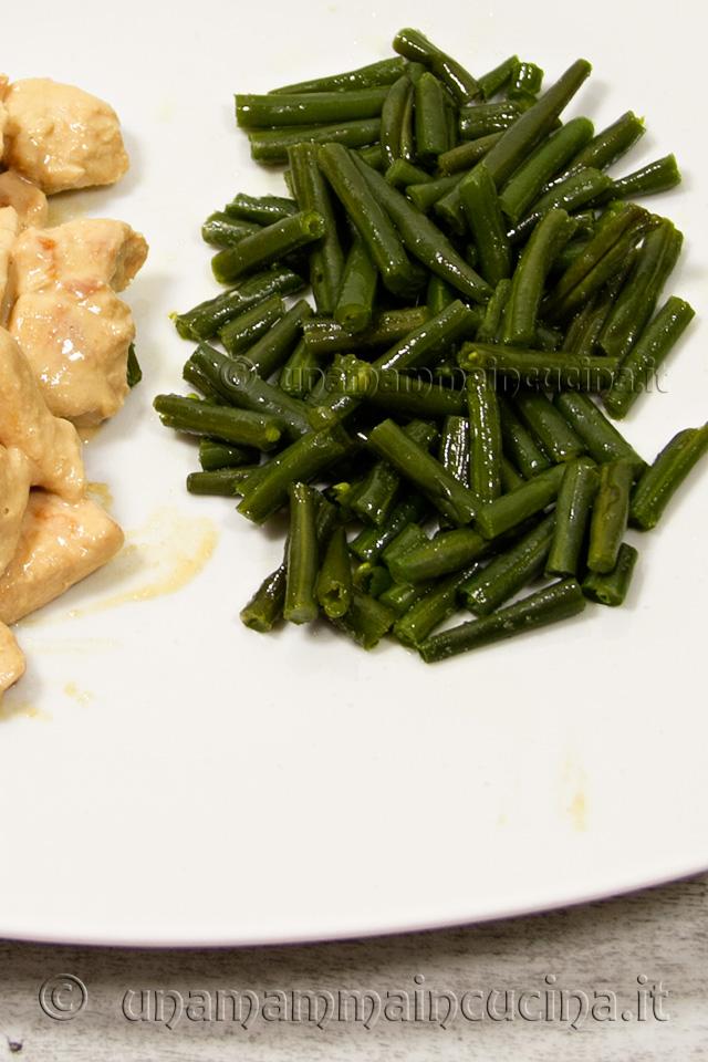 Fagiolini all'olio extravergine di oliva piatto - ricetta di unamammaincucina.it