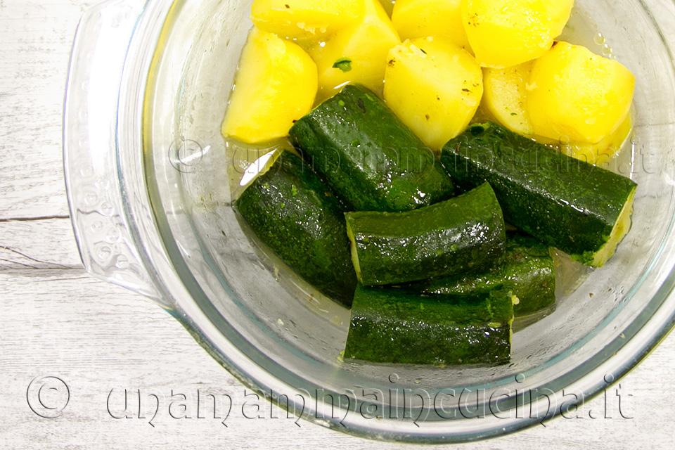 Ricetta Zucchine Bollite.Patate E Zucchine Al Rosmarino Ricetta In 30 Minuti