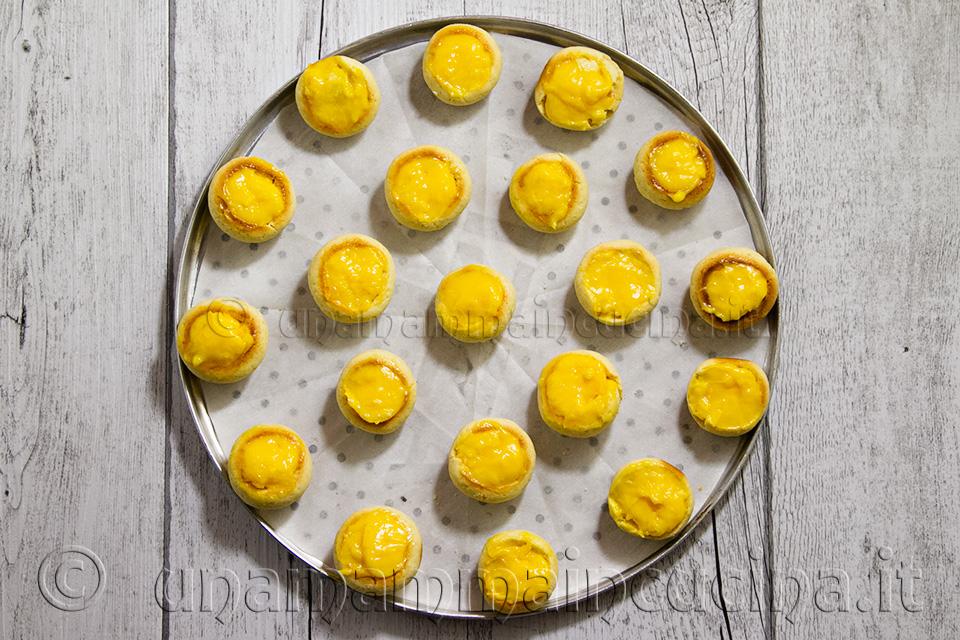 Pesche dolci alla crema - Ricetta di unamammaincucina.it