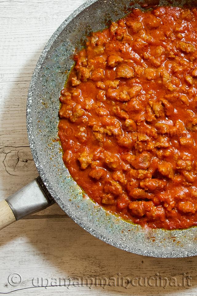Ricetta Ragu Di Salsiccia.Ragu Di Salsiccia Rosso Ricetta Di Una Mamma In Cucina