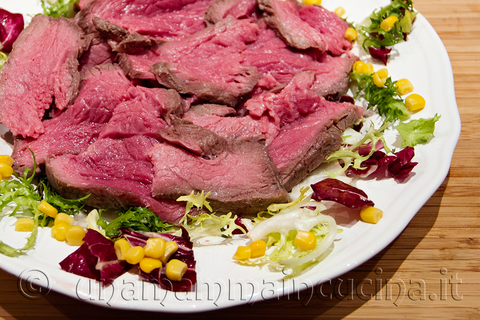 Roast beef al sale cotto in forno - Ricetta di unamammaincucina.it